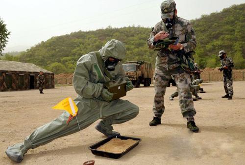 Thương gia Trung Quốc sát cánh cùng ông Tập siết quân đội 2