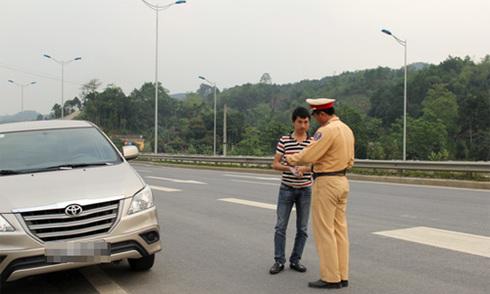 Những lỗi tài xế Việt hay tranh cãi với CSGT 4