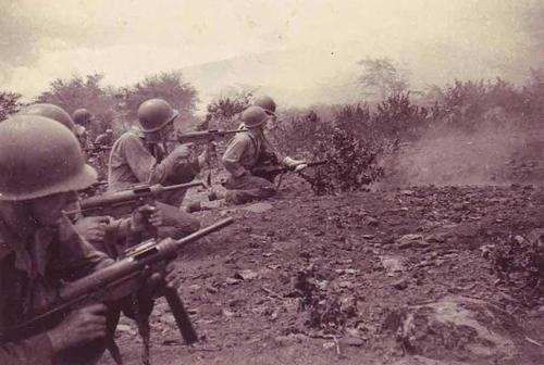"""Tiểu liên M3 - khẩu súng """"dùng xong vứt luôn"""" được lính Mỹ ưa chuộng 2"""