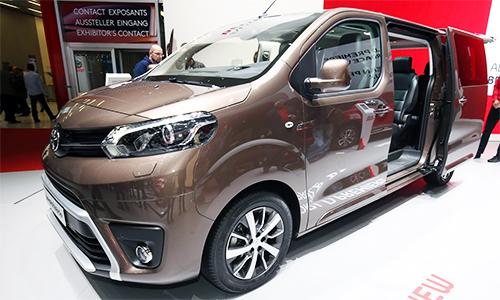 Proace Verso - xe gia đình mới của Toyota 1
