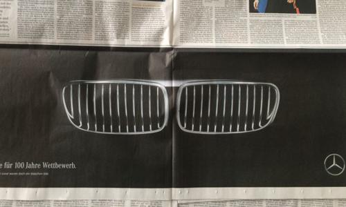 """Mercedes chọc quê BMW """"trẻ người non dạ"""" 1"""