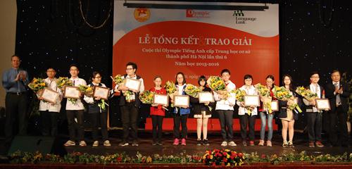 12 học sinh giành giải nhất Olympic Tiếng Anh THCS 1