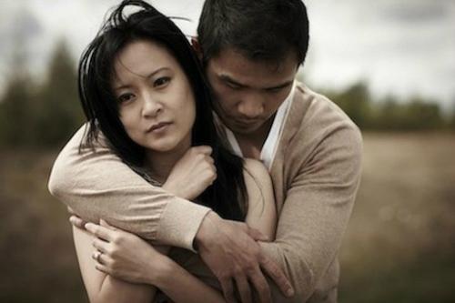 Vợ con đề huề rồi tôi có nên quên người mình từng yêu tha thiết