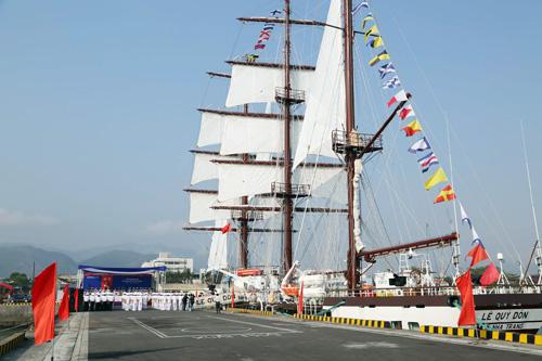 Hải quân đưa tàu buồm huấn luyện hiện đại vào sử dụng 1