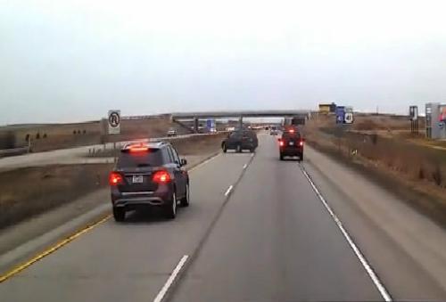 Siêu xe Aventador Roadster phun lửa như đèn khò 2