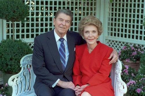 Ca ngợi quá đà cố đệ nhất phu nhân Reagan, Hillary Clinton nguy cơ mất cử tri 2