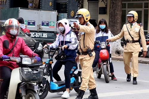Hà Nội sửa văn bản buộc thôi học một tuần vì vi phạm giao thông 1