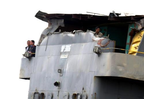 Tàu nghìn tấn được giải phóng 2