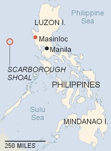 Vị trí bãi cạn Scarborough/Hoàng Nham và thị trấn Masinloc. Đồ họa: New York Times.