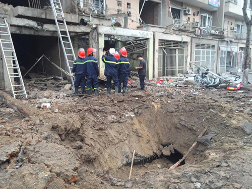 Nổ lớn ở Hà Đông, 4 người chết 2