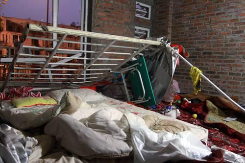 """Nhân chứng vụ nổ ở Hà Đông: """"Mảnh thi thể văng lên nhà chúng tôi"""" 1"""