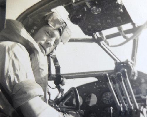 11 ngày lênh đênh trên biển của nhóm phi công Anh 2