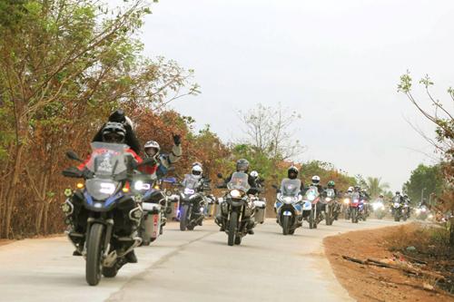Phiêu lưu cùng BMW Motorrad 2
