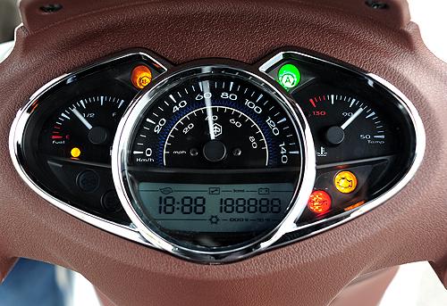 Piaggio Medley cạnh tranh SH125i bằng gì tại Việt Nam? 2