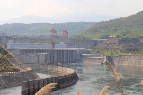 Cảnh Hồng, một trong các con đập trên sông Lan Thương (tên gọi khác của thượng nguồn sông Mekong trên lãnh thổ Trung Quốc). Ảnh: International Rivers