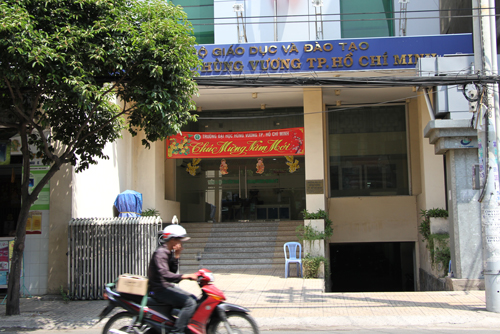 80 giảng viên Đại học Hùng Vương được ký lại hợp đồng 1