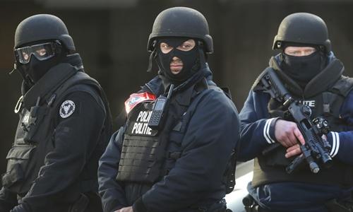 Bỉ - mảnh đất tuyển mộ màu mỡ của IS 1