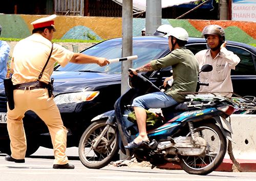 Những lỗi người đi xe máy bị phạt nặng nhất ở Việt Nam 1