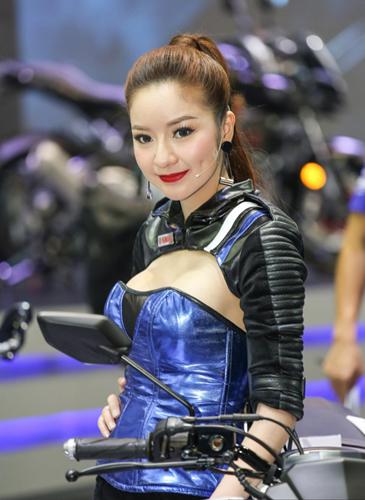 nguoi-dep-khoe-dang-tai-trien-lam-oto-lon-nhat-thai-lan-page-2