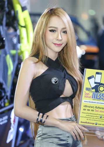 nguoi-dep-khoe-dang-tai-trien-lam-oto-lon-nhat-thai-lan-page-2-9