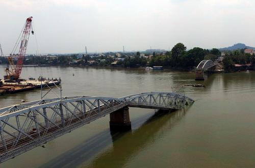 Cầu Ghềnh sẽ được tháo bỏ vào ngày mai 1
