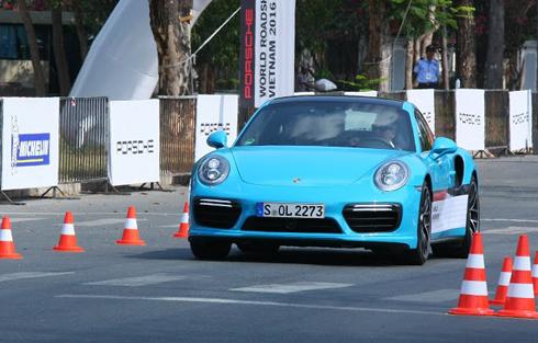 """""""Bữa tiệc tốc độ"""" của Porsche ở Việt Nam 1"""