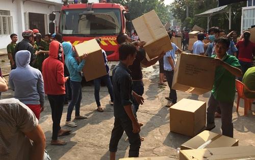 Xưởng may hàng nghìn m2 ven Sài Gòn bị thiêu rụi 2