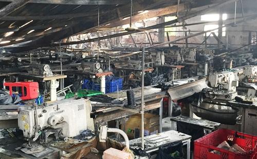 Xưởng may hàng nghìn m2 ven Sài Gòn bị thiêu rụi 3