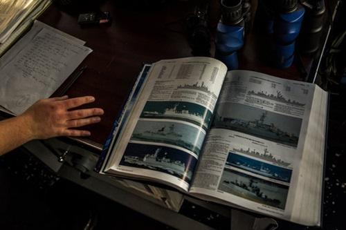 Cuộc vờn đuổi giữa chiến hạm Mỹ và Trung Quốc trên Biển Đông 2
