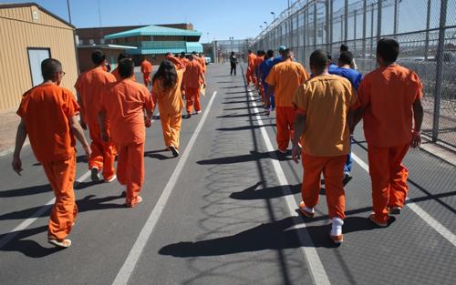 Địa ngục trần gian của tội phạm ấu dâm trong nhà tù Mỹ 1
