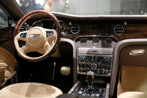 Bentley Mulsanne Speed 2016 - giấc mơ quý tộc tại Việt Nam 3