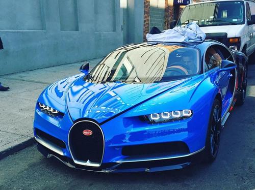 Bugatti Chiron - siêu xe 2,6 triệu USD lần đầu xuống phố 1