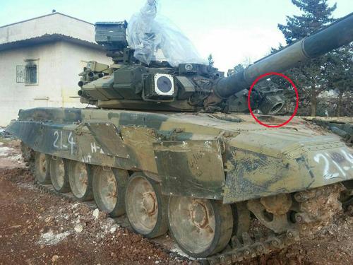 Số phận tăng T-90 Syria trúng đòn trực diện của tên lửa TOW 1