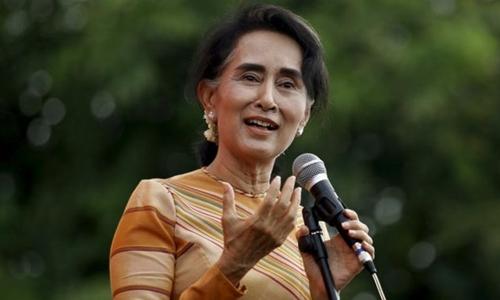 """""""Quý bà"""" Myanmar và quyền lực của siêu bộ trưởng 1"""
