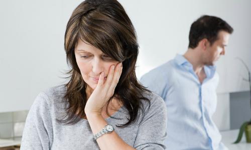 Ba lần phát hiện vợ có tình ý với người khác mà chưa thể ly dị
