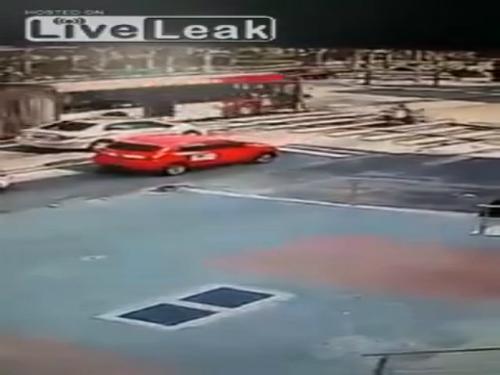 Tai nạn khủng khiếp với hai học sinh Trung Quốc 3