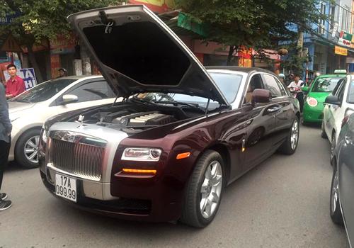 Rolls-Royce cũng chết máy giữa đường? 1