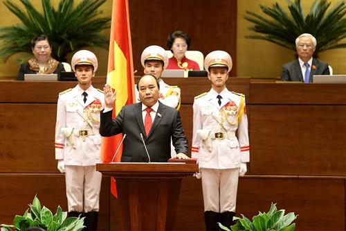 Báo quốc tế dự đoán những thách thức của tân Thủ tướng Nguyễn Xuân Phúc 1