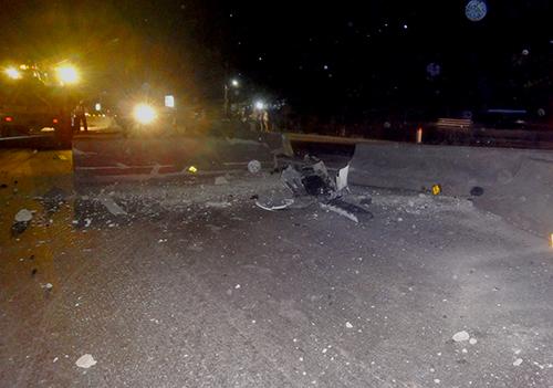 Ôtô 4 chỗ nát tươm sau tai nạn liên hoàn, 6 người nhập viện 2