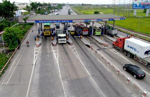 """Xe tải """"cày nát"""" đường tỉnh, Hải Dương kiến nghị giảm phí quốc lộ 5 1"""