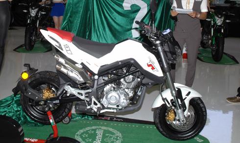 Benelli TNT 135 cạnh tranh với Honda MSX tại Việt Nam 1