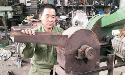 Nông dân sáng chế máy cấy giúp vợ việc đồng áng 3