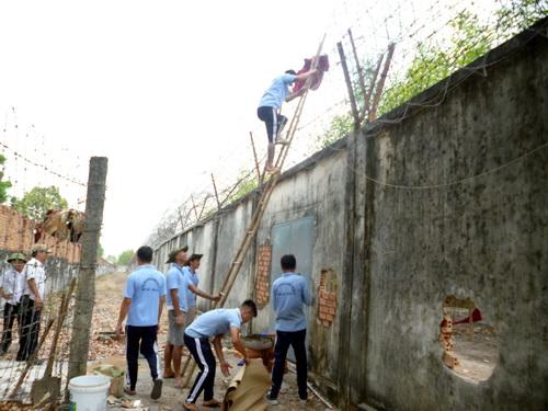 Hàng loạt cán bộ bị đình chỉ sau vụ hơn 400 người nghiện trốn trại 1