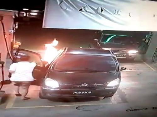 Trả giá khi ôtô đổ xăng không tắt máy 1