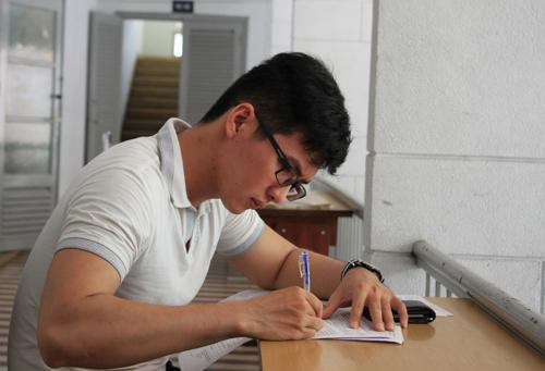 Tin thử nghiệm 8 - Học sinh lớp 12 ở Sài Gòn tiếp tục 'né' môn Sử