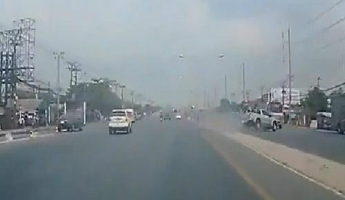 Bus chở học sinh lật, nhiều người bị thương 4
