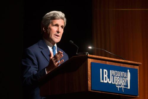 Ngoại trưởng John Kerry tạihội thảo về chiến tranh Việt Nam ở Texas hôm 27/4.
