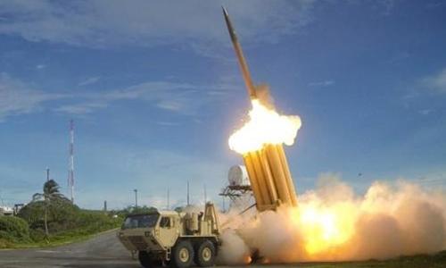 Hệ thống ThAAD khai hỏa tên lửa đánh chặn thành công trong một cuộc thử nghiệm. Ảnh: Reuters