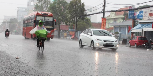 Cơn mưa lớn chiều nay đã giải nhiệt cho Cần Thơ trong cơn nắng hạn nhiều tháng qua. Ảnh: Cửu Long