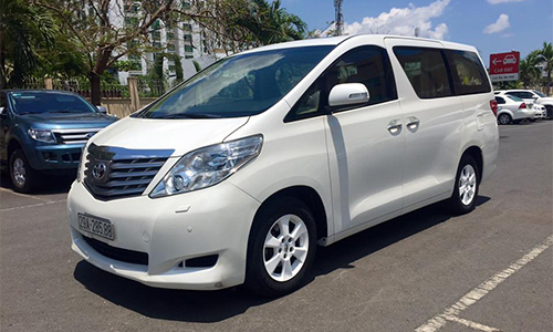 Toyota Alphard 2011 giá trên 2 tỷ đồng tại Việt Nam 1